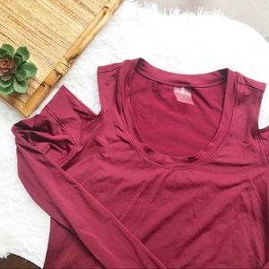 Calia Carrie Underwood Cold Shoulder Workout Top